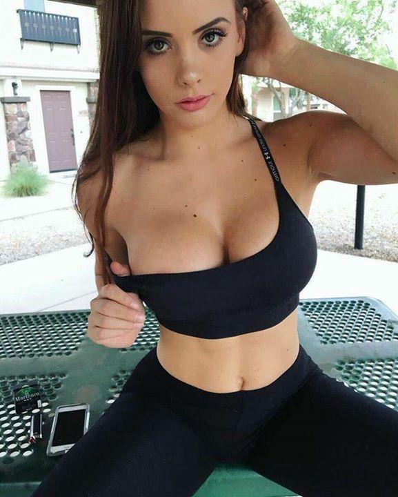 Chicas fitness tetonas