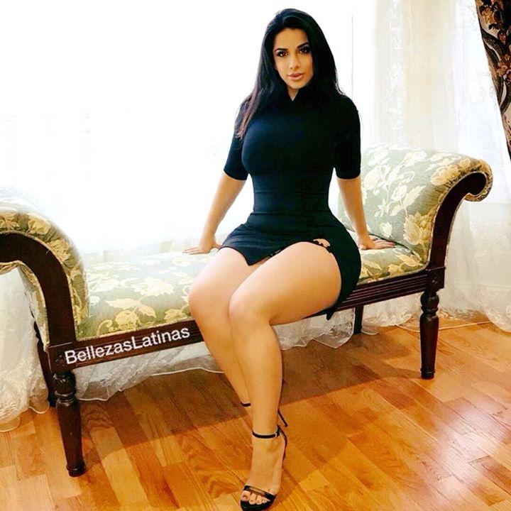 latinas sexis en minifalda