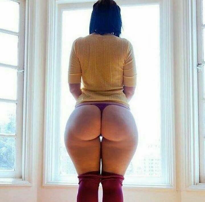 Con tanguita por la ventana