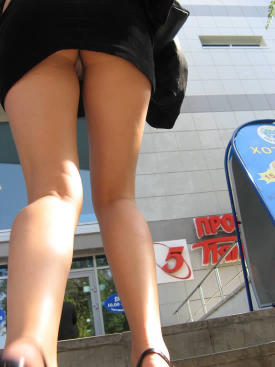 Upskirts bajo la falda chica de secundaria calzon azul prt 2 - 1 part 4