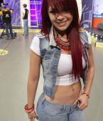 Anel Rodriguez en mezclilla