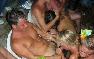 Las chicas desnudas borrachas
