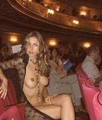 tias buenisimas cachondas desnudas en publico